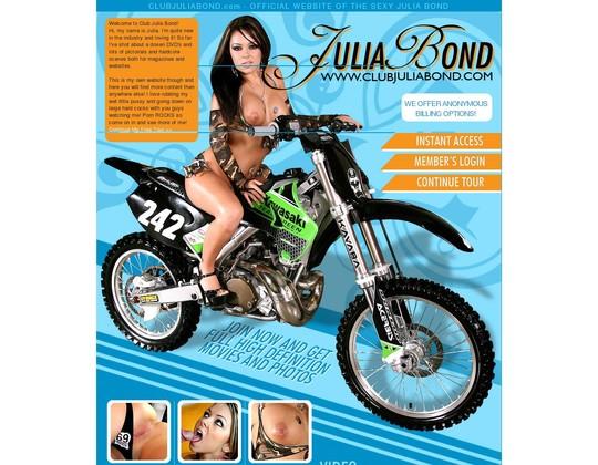 Club Julia Bond